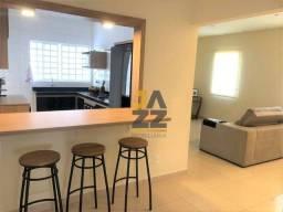 Casa, em terreno de 305m² com, 2 dormitórios, closet - Jd. Chapadão