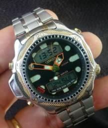 Relógio Citizen Aqualand modelo C500 Série ouro fundo preto