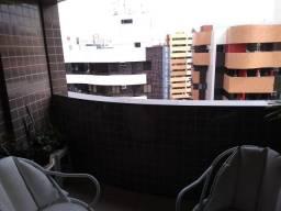 Ótimo Apartamento na Ponta Verde com 120m