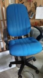 Conserto. de cadeiras