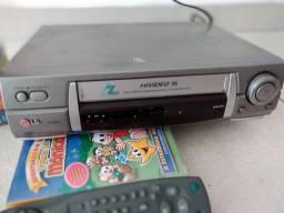 Vídeo cassete LG c/ 12 fitas (precisa reparos)