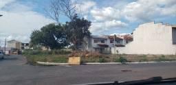 02 Terreno junto de 720m², escriturado bairro chacara dos Pinhieros