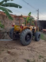 Trator agrícola CBT com grande hidráulica Proto pra trabalhar em p erfeito estado