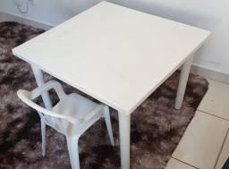 Mesa infantil e cadeira de estudo...