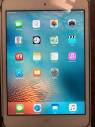 Apple iPad Mini 64GB Wi-Fi + 3G A1454 MD539BZ