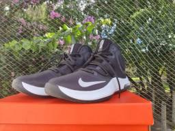 Vendo Tênis Nike Air Versatile 4 preto, tam. 40