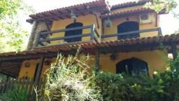 Casa para venda no Centro Maricá, 2 pavimentos, 3 quartos (1 suíte) medindo 485m² de terre