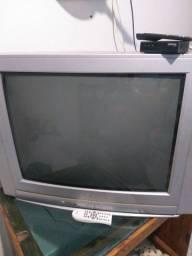 Vendo TV 29 com suporte é conversor