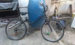 Vendo bicicleta boa so troca a duas camera de ar e pe de vela fora isso td bom