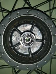 Vendo Roda Dianteira 150/160 CUBO