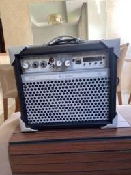 Vendo caixa amplificada ll áudio up5