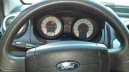 Vendo um carro Ford fiesta 1.6
