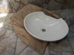 Cuba de Apoio em louça p/banheiro Nova na caixa