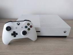Xbox One S 1TB com 14 jogos