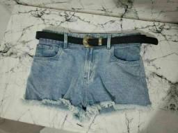 Short Jeans de cintura alta com cinto
