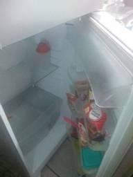 Vendo geladeira gE