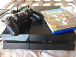 PlayStation 4 com 1 manete e 8 jogos
