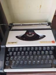 Máquina Escrever Olivete Portátil
