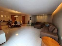 Apartamento três quartos para venda no Bairro Castelo