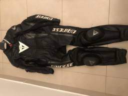 Macacão Dainese, Capacete X-lite, Bota e Luvas Alpinestars - Kit Equipamentos Moto