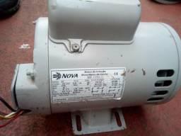 Motor de indução monofásico de gaiola