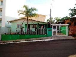 Terreno Comercial com casa de 02 pisos no São Cristóvão!