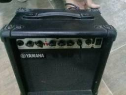 Guitarra Squier Fender e Cubo Yamaha
