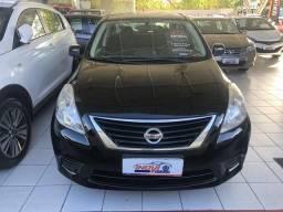 Nissan Versa 1.6 SV - 2013