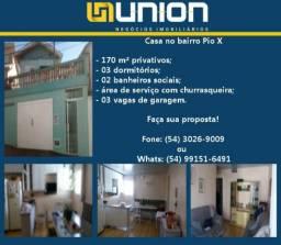 Oferta Imóveis Union! Casa a venda no bairro Pio X próxima ao centro com 170 m²!