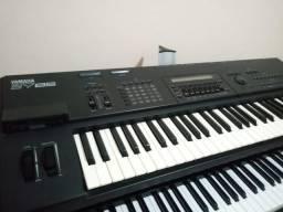 Sintetizador Yamaha SY85