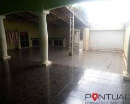 Casa à Venda com 3 dormitórios por R$ 180mil, Marília SP
