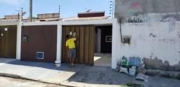 Casa Padrão para Venda em Lagoa Redonda Fortaleza-CE