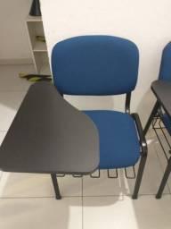 Cadeira universitária para sala de aula