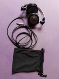 vende se um Fone de ouvido AKG K414 P preto original