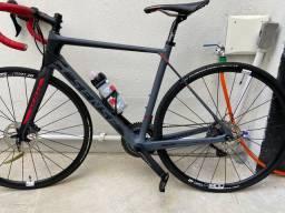 Bike Sense Prologue Transmissão Shimano Ultegra disc Hidr Rodas DtSwuiss Spline 1.800