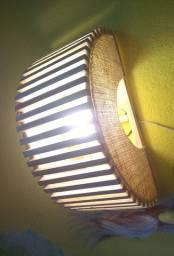Arandela lumentop em madeira