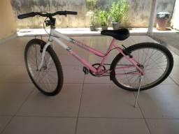 Bicicleta feminina novinha, andou pouquinho