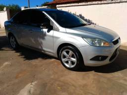 Vendo ou troco Ford Focus Sedan Financiado