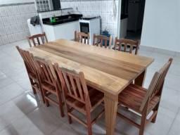 Mesa Bella em madeira maciça