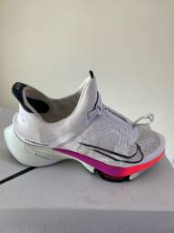 Nike tempo next tamanho 44