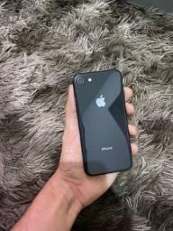 iPhone 8 64gb em estado de zero