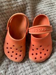 Crocs laranja infantil tamanho 8 e 9 importado original