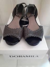 Sandália em Couro Doramila