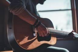 Não sabe tocar violão? Aprenda já