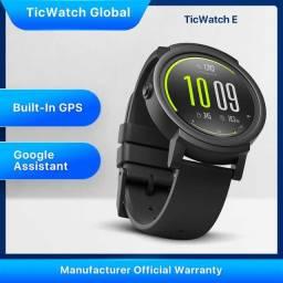 Mobvoi TicWatch E com Wear OS (sistema Google para smartwatch)