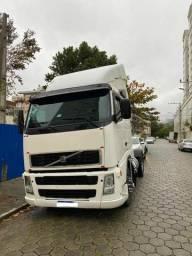 Título do anúncio: caminhão trator  ano 2005 Modelo Volvo/ FH12 380 4X2T