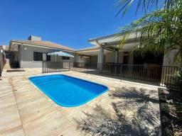 Linda casa de 555 mt2 de terreno na Nova Ourinhos - Ourinhos/SP