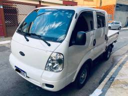 Kia bongo k-2700 4x4 cabine dupla Super conservada