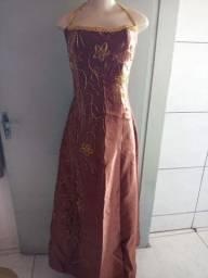 Vestido longo<br>Tamanho 40<br><br>