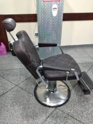 Vendo cadeira de barbeiro usada